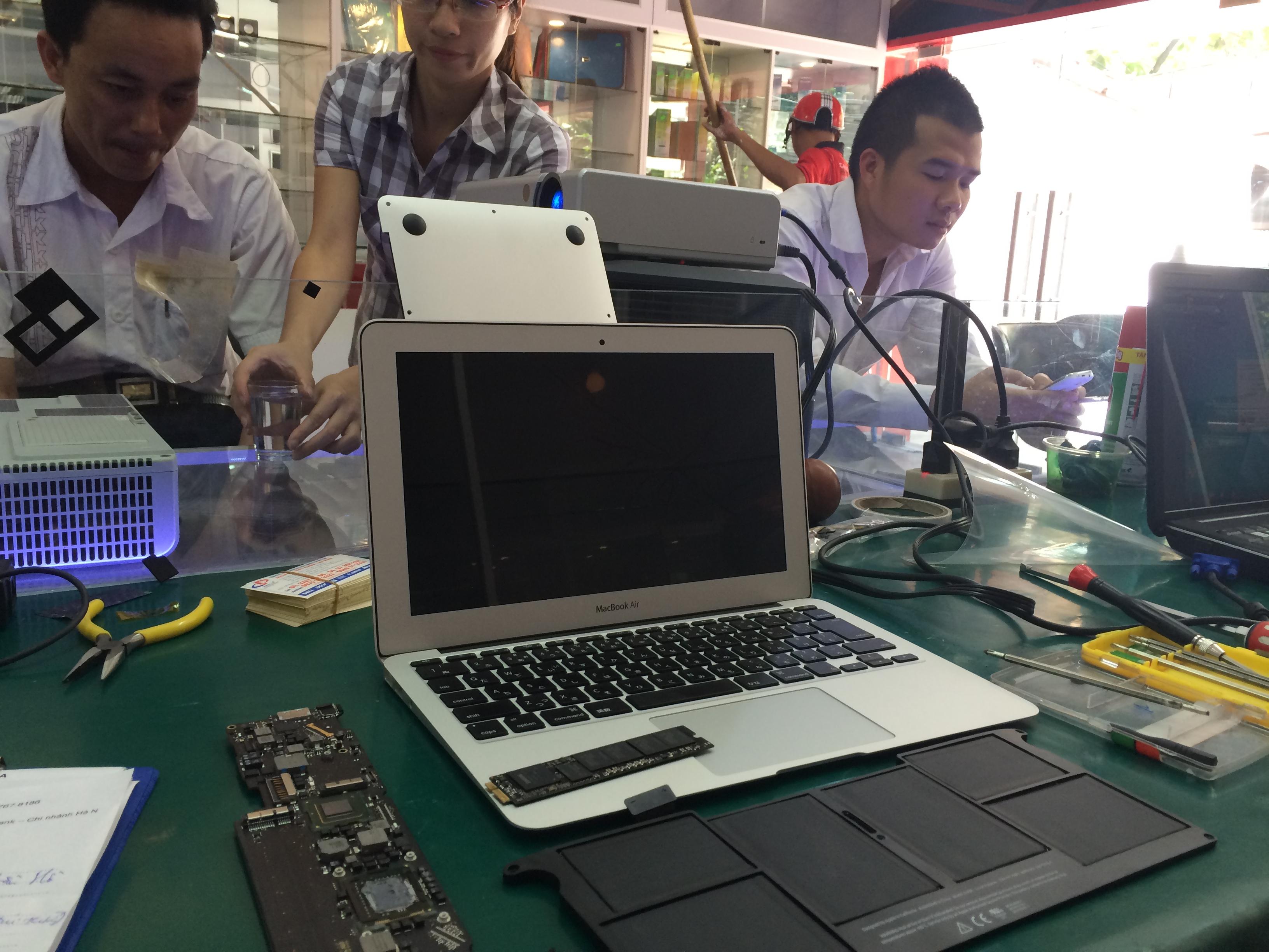 Địa chỉ sửa chữa phần cứng macbook